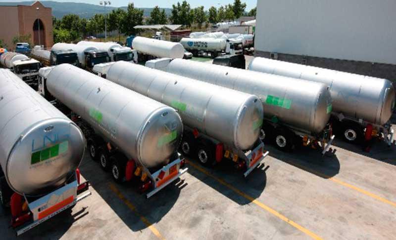 HAM ha una vasta flotta di veicoli propri che consente il trasporto e la consegna di gas naturale liquefatto (GNL) a tutti i clienti di Ham Italia