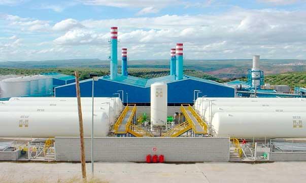 Il gas naturale liquefatto (GNL) è perfetto per l'alimentazione di impianti di cogenerazione, attraverso impianti di rigassificazione, dove il gas non arriva attraverso i tubi.