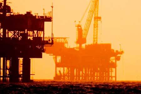 Il metano estratto passa attraverso un processo di liquefazione per ridurne il volume al fine di trasportarlo su lunghe distanze senza usare tubi