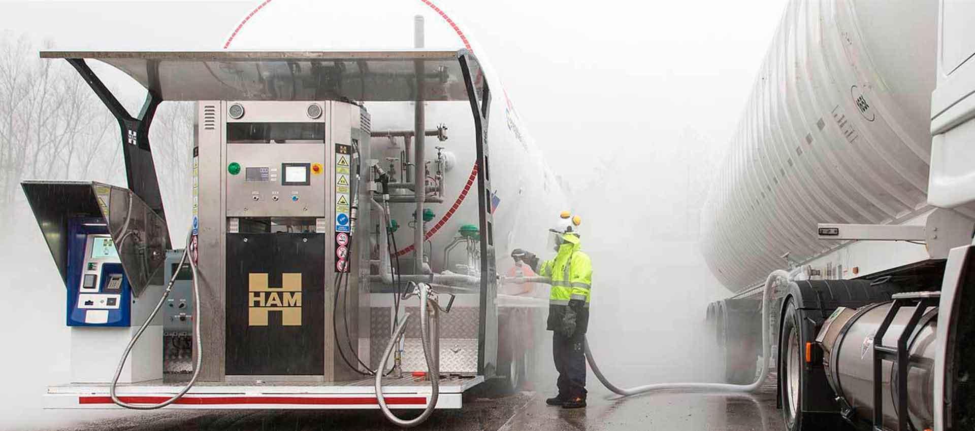 Grupo HAM ha unità mobili che consentono il rifornimento di gas naturale liquefatto (GNL) e gas naturale compresso (GNC), dove non esistono stazioni di servizio