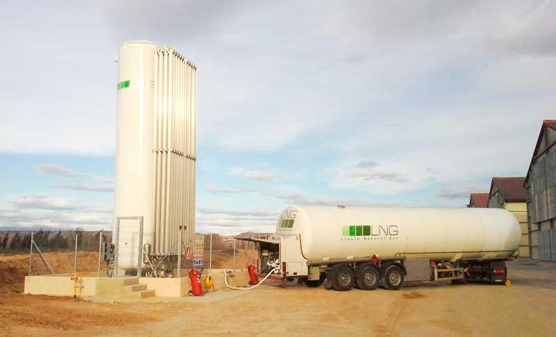 Il gruppo HAM ha un'importante flotta di veicoli a GNL che consente il trasporto e la consegna di gas naturale liquefatto (GNL) ovunque in Europa