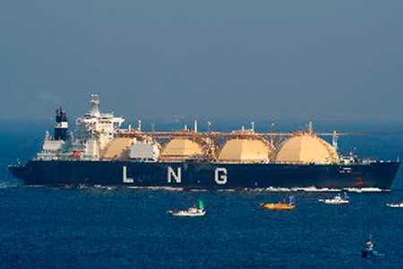 Il gas naturale liquefatto (GNL) viene trasportato a -160 gradi in autocisterne e specializzate dotate di un serbatoio criogenico