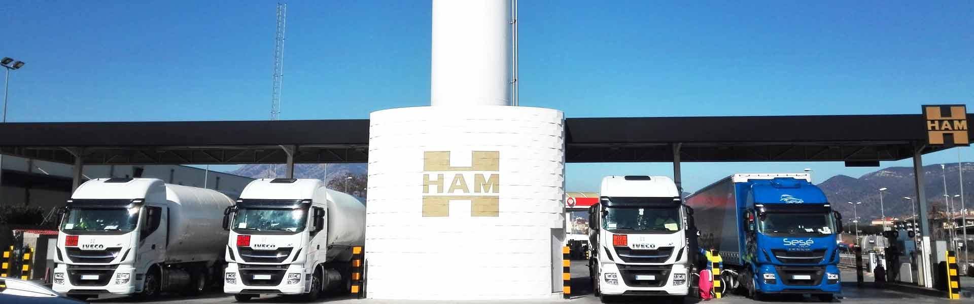 Le stazioni di servizio GNL di Ham Italia consentono ai veicoli pesanti di rifornire di carburante combustibile più economico ed pulito